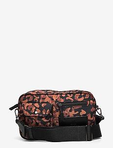 Darla Crossbody Bag, Recycled - tasker - cognac leographic w/black