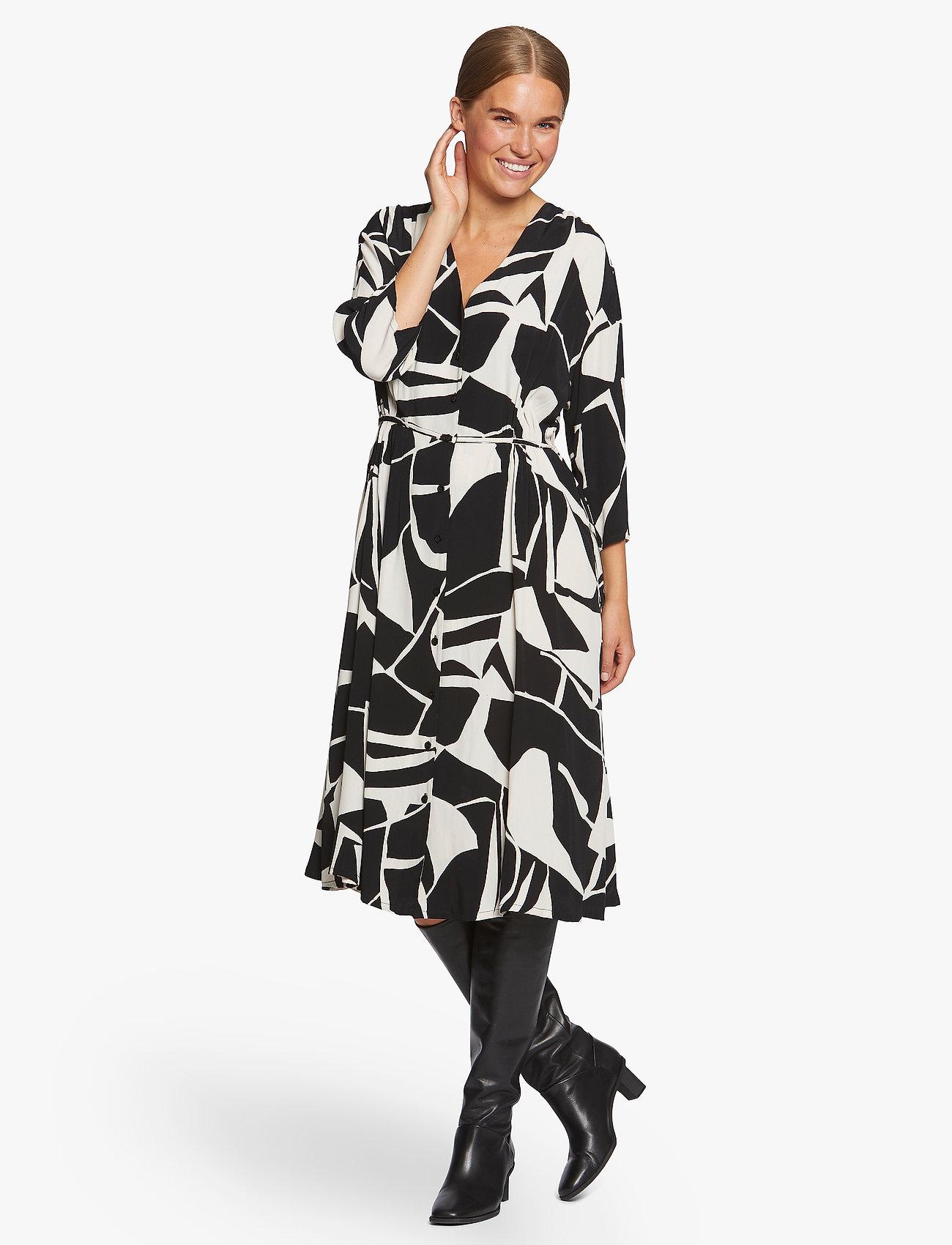 Masai - Nini - sukienki do kolan i midi - black - 0