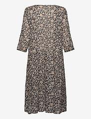Masai - Neoma - sukienki do kolan i midi - nomad - 1