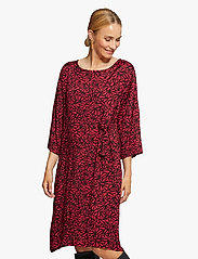 Masai - Nonie - sukienki na codzień - scarlet sage - 0