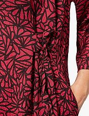 Masai - Nonie - sukienki na codzień - scarlet sage - 5