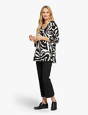 Masai - Kata - bluzki z długimi rękawami - black - 3