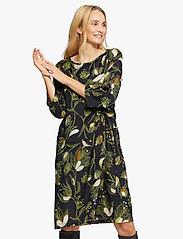 Masai - Nonie - sukienki na codzień - green sheen - 0