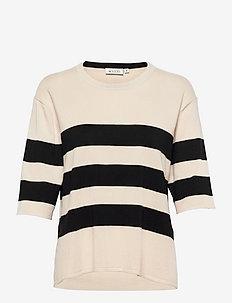 Fanilla - t-shirts - black/whitecap