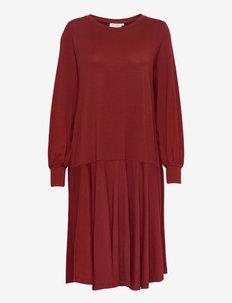 Noassa - everyday dresses - syrah