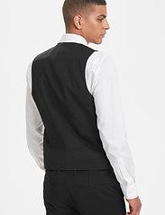 Matinique - Breck - waistcoats - black - 9