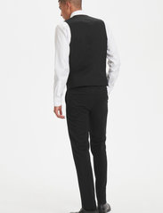Matinique - Breck - waistcoats - forged iron - 4