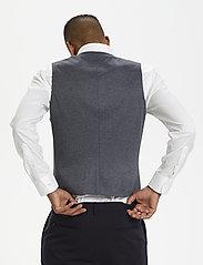 Matinique - MAlogan 1 Jersey - waistcoats - dust blue - 5