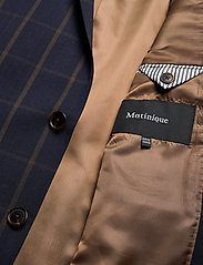 Matinique - MAgeorge F - single breasted blazers - dark navy - 4