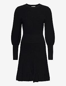 PEPLUM DRESS - strikkede kjoler - black