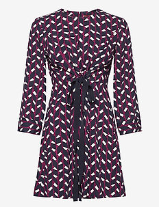NARCISO - cocktailjurken - burgundy pattern