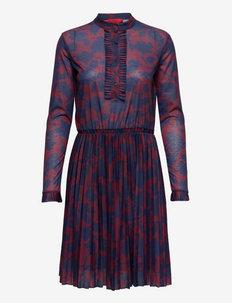 CONSUELO - cocktailjurken - burgundy pattern