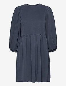 Gabrielly - midi dresses - vintage indigo
