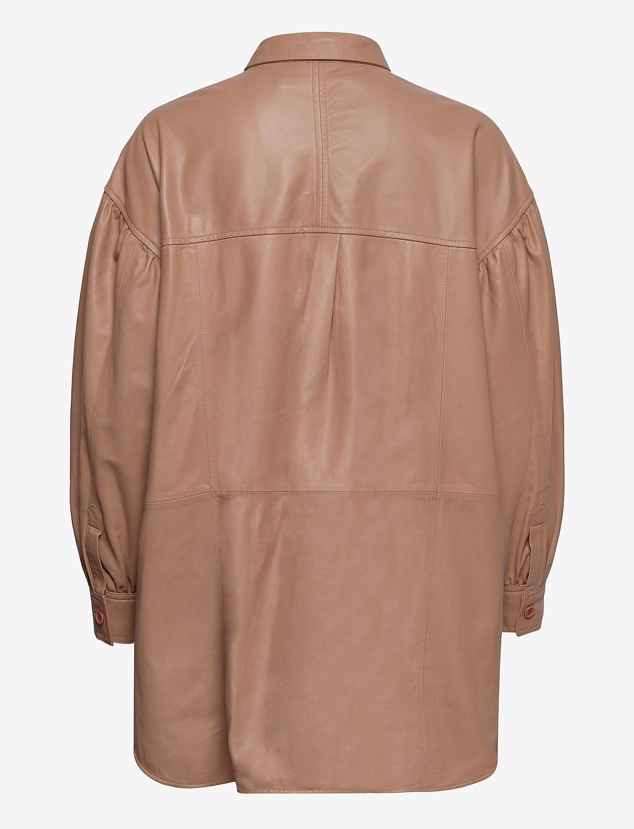 MDK / Munderingskompagniet - Emma leather shirt - overshirts - praline - 1