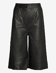 MDK / Munderingskompagniet - Culotte leather trouser - skinnbyxor - black - 0