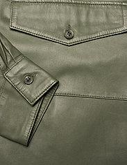MDK / Munderingskompagniet - Agnes thin leather shirt - overshirts - four leaf clover - 3