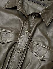 MDK / Munderingskompagniet - Lily thin leather dress - skjortklänningar - dark green - 2