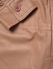 MDK / Munderingskompagniet - Emma leather shirt - overshirts - praline - 3