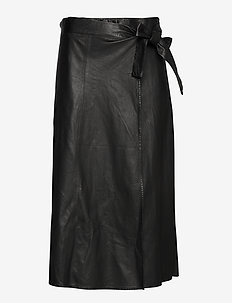 Adeline new thin leather skirt (black) - do kolan & midi - black