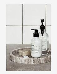 meraki - Hand soap Silky mist - handtvål - clear - 1