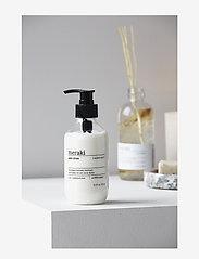 meraki - Hand lotion Tangled woods - handkräm & fotkräm - clear - 1