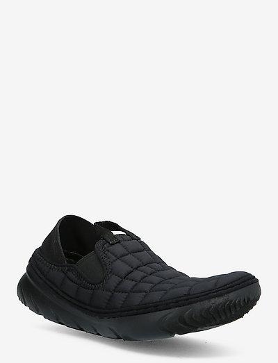 Hut Moc Triple - hiking shoes - triple black