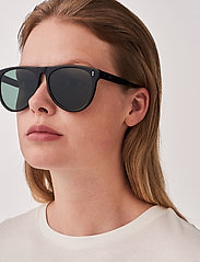 MessyWeekend - LOUIE - d-vormige zonnebril - black - 4