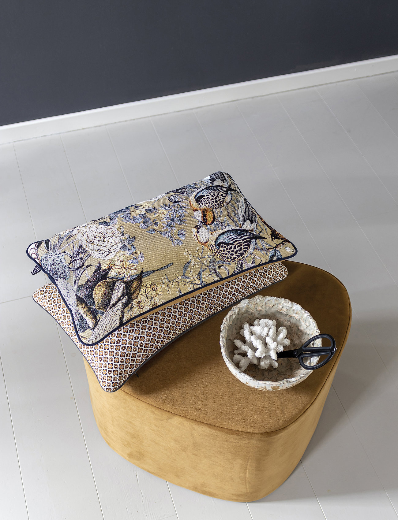 Mette Ditmer - ATELIER cushion, with filling - kuddar - bird/tobacco - 1