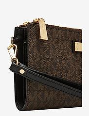 Michael Kors Bags - DBLZP WRISTLET - clutches - brown/blk - 3