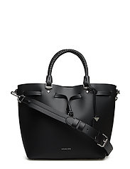 MD BUCKET BAG - BLACK
