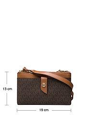 Michael Kors Bags - MD TAB DZP PHN XBODY - shoulder bags - brn/acorn - 6
