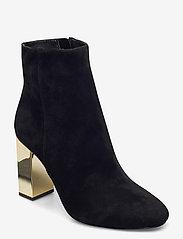 Michael Kors Shoes - PETRA BOOTIE - enkellaarsjes met hak - black - 0