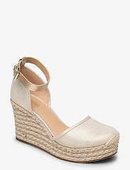 Michael Kors - KENDRICK WEDGE - espadrilles met sleehak - pale gold - 0