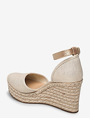 Michael Kors - KENDRICK WEDGE - espadrilles met sleehak - pale gold - 2