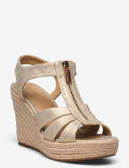 Michael Kors - BERKLEY WEDGE - espadrilles met sleehak - pale gold - 0