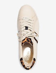 Michael Kors Shoes - IRVING STRIPE LACE UP - low top sneakers - ecru - 3