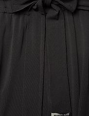 Michael Kors - ELV FLUTTER SLV JMPST - kombinezony - black - 5