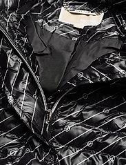 Michael Kors - BELTED PCKBL PUFFR - gewatteerde jassen - black/white - 4