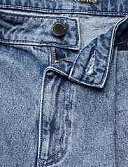 Michael Kors - PLEATED BELTED DNM SHORT - korte jeansbroeken - vtg cs wsh - 2