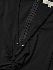 Michael Kors - ELV TWST RUFFLE DRES - midi jurken - black - 4