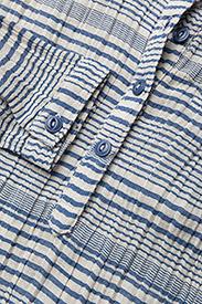 Lai Shirt, M