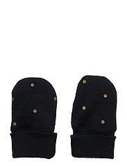 Celin Glove, BM