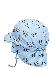 Gustas Hat, B