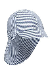 Konrad Hat, B