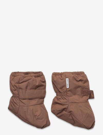 Winn Outdoor Sock, B - shoes - acorn brown