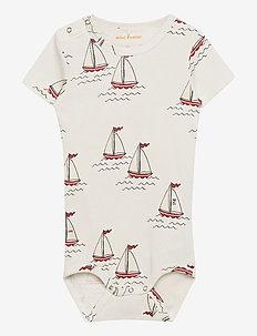 Sailing boats aop ss body - kurzärmelige - white