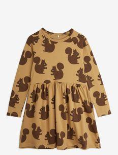 Squirrel aop ls dress - kleider - brown