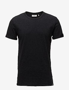 Delta - kortærmede t-shirts - black