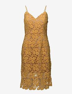 Leontina - koronkowe sukienki - spectra yellow