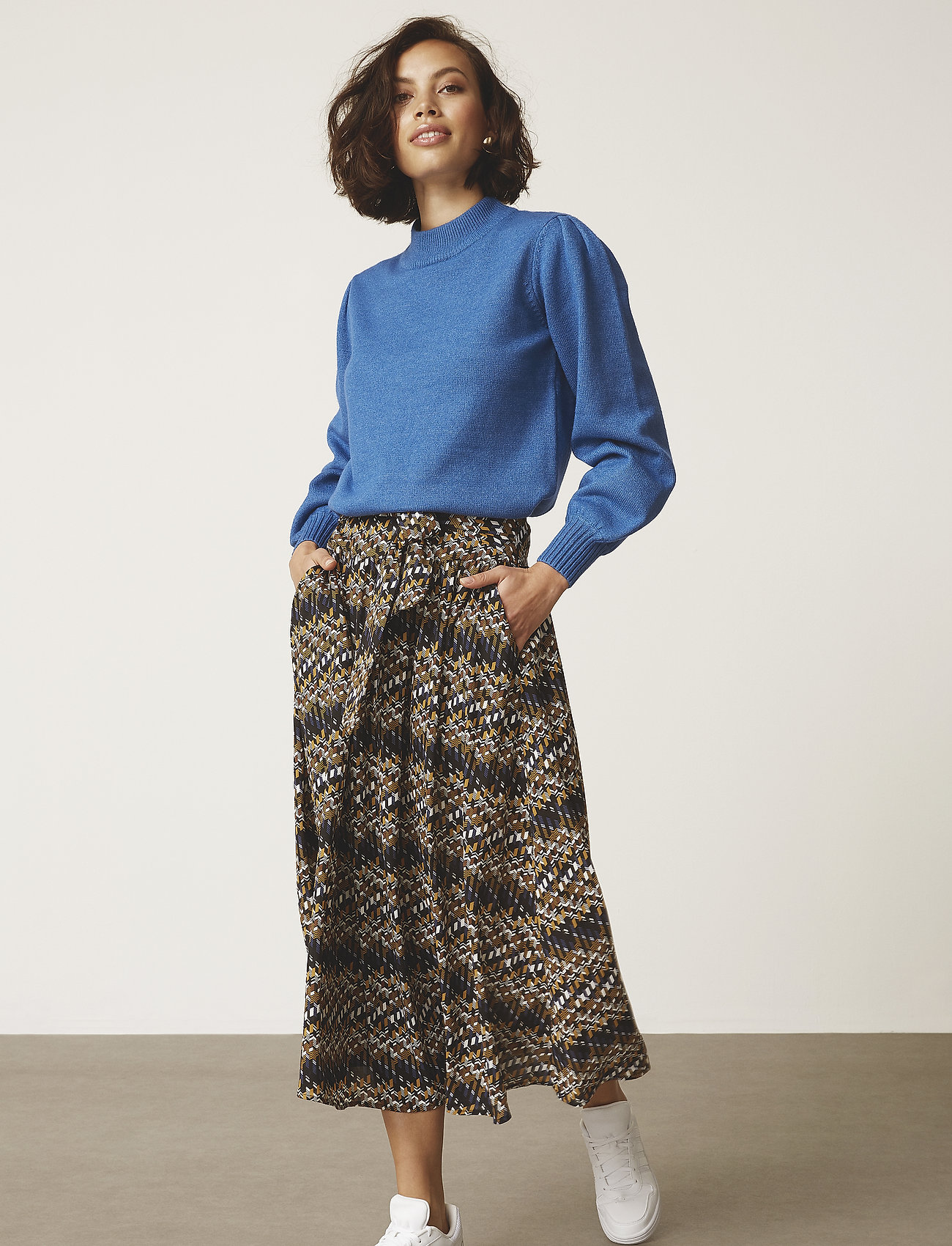Minus - Faya skirt - midinederdele - blue bay illusion print - 0